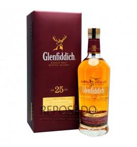 Glenfiddich 25 Years Old Rare Oak 0,7L (Гленфиддик 25 лет 0,7л)