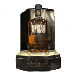 Nomad whiskey gift box + 4 cubes 0.7L (Виски Номад подарочный набор коробка + 4 кубика 0,7л)